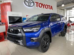 Toyota Hilux, Invincible 2.8 D-4D AT
