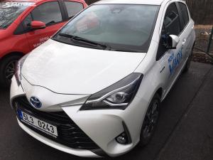 Toyota Yaris Style Smart Hybrid