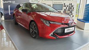 Toyota Corolla kombi 2,0 Hybrid Selection