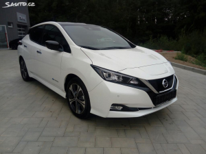 Nissan LEAF 40kWh N-Connecta + LED světla
