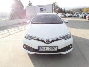 Toyota Auris TS