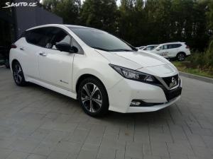 Nissan LEAF Tekna 40kWh + ProPilot + kůže